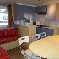 Campsite France Brittany, camping du gouffre - cuisine du Mobil-Home Flores 3 chambres